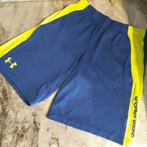 Under Armour boys size youth large athletic shorts